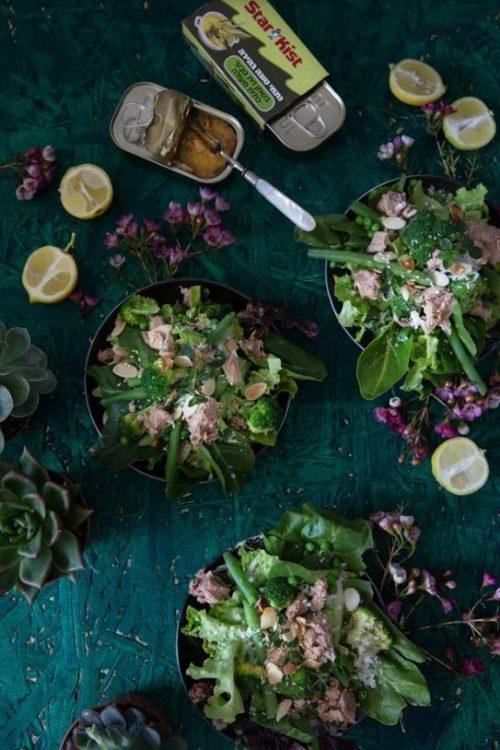 סלט ירוק עם טונה בשמן זית