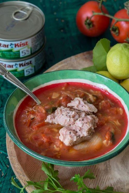 מרק עגבניות עם טונה ואורז