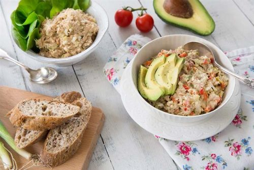 tuna salad with avocado and hard boiled egg